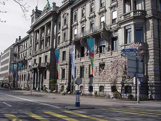 Zurich hoteles y vuelos baratos y paquetes todo inclu do for Oficina de turismo de suiza en madrid
